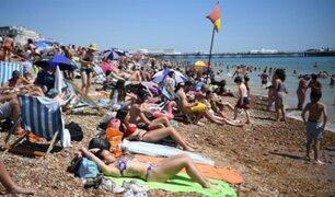 Reino Unido no descarta cerrar playas tras gran afluencia de público en plena pandemia