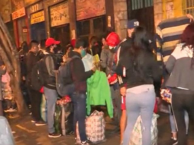 La Victoria: ambulantes se aglomeran en av. Abancay y av. Manco Cápac