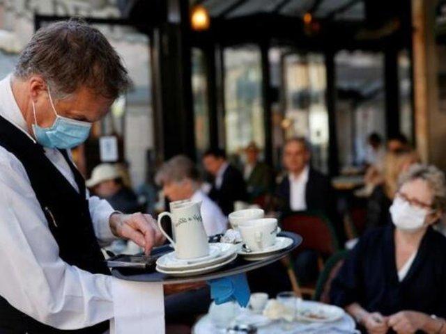 Francia: restaurantes, bares y cafeterías reabrieron como parte del desconfinamiento