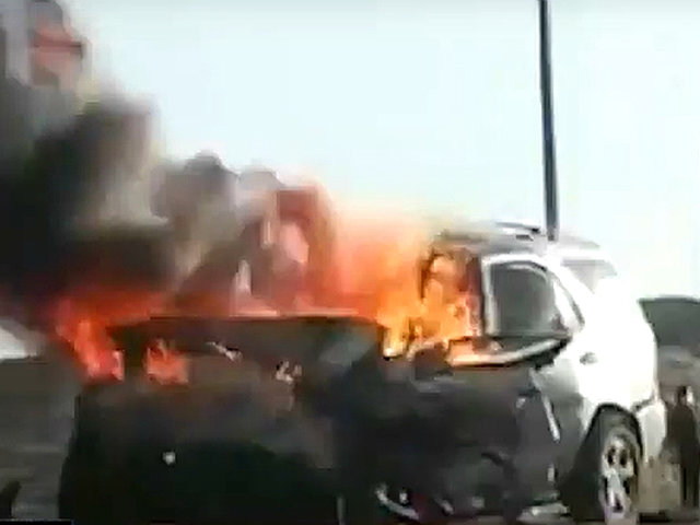 Ica: dos vehículos se incendian tras chocar frontalmente