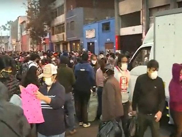 La Victoria: ambulantes invaden pistas de la calle Raymondi