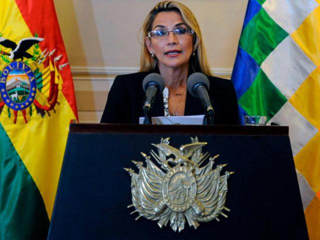 Presidenta interina de Bolivia, Jeanine Áñez, confirmó que dio positivo a COVID-19
