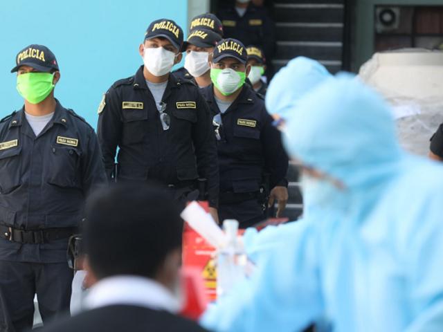Arequipa: más de 600 policías derrotaron al coronavirus y  volvieron a sus labores