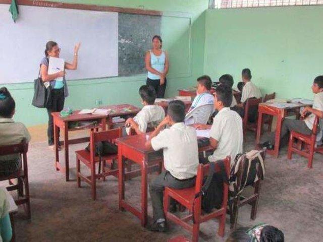 Gobierno evaluará retorno de alumnos a colegios pero solo en algunas regiones del país