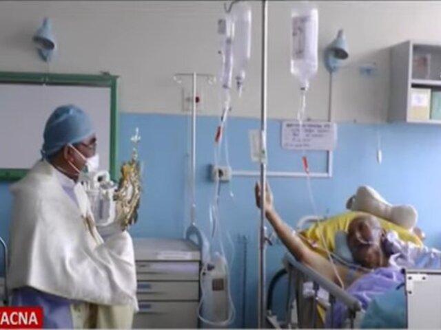 Tacna: Obispo y sacerdote visitan enfermos y trabajadores de hospitales