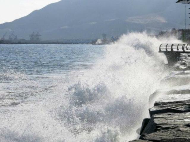 ¡Atención! Prevén oleajes moderados durante esta noche en litorales centro y sur