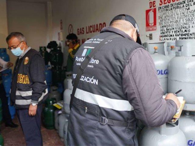 Municipalidad de Pueblo Libre clausura depósito clandestino de balones de gas