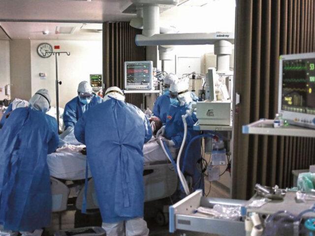 """Asociación de Clínicas responden a Vizcarra: """"Si no pueden manejar sus hospitales, menos pondrán con clínicas"""""""