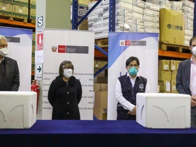 Perú recibe 100 mil pruebas moleculares donadas por Alemania para diagnóstico del COVID-19