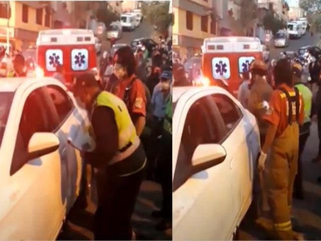 Arequipa: Conductor atropella a dos menores y dos comerciantes y luego huye