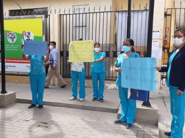 Más de 160 Enfermeras y técnicos de enfermería fueron despedidos en Lima, Chimbote y Piura