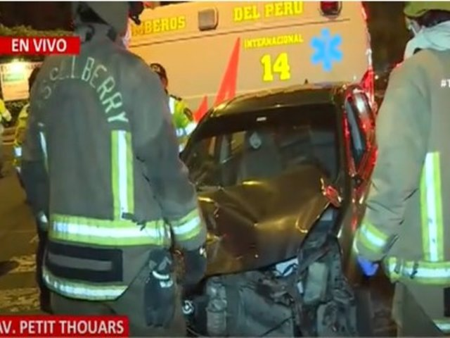Choque vehicular deja varios heridos en la avenida Petit Thouars