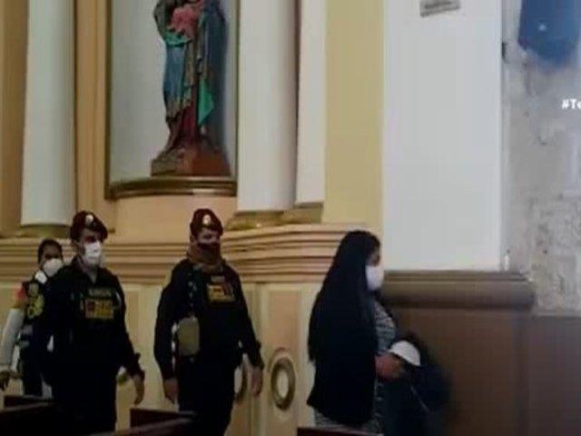 Huancayo: Párroco intenta realizar boda pero es sorprendido por la policía