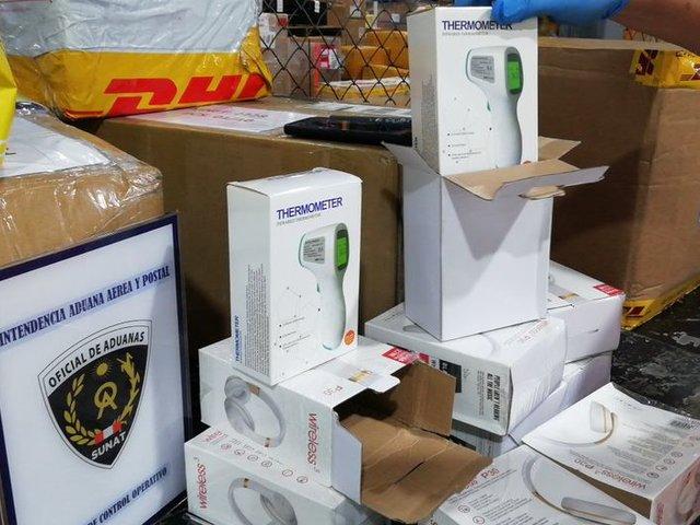 Sunat impidió ingreso de 60 mil termómetros camuflados en cajas de audífonos
