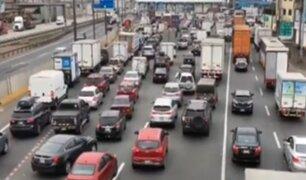 Peajes de Villa El Salvador y Puente Piedra reiniciaron cobros en medio del caos vehicular