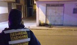 Arequipa: hombre de avanza edad perdió la vida en la calle por presunta falta de atención médica