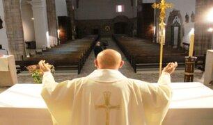 Mininter sobre apertura de iglesias: Hostia se entregará en mano y no se echará agua bendita