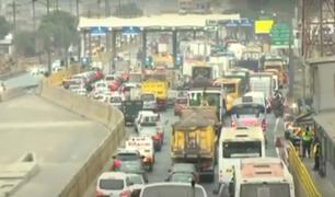 Reinicio de cobro de peajes de Rutas de Lima generó congestión vehicular
