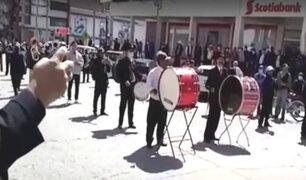 Huancayo: dispersan con bombas lacrimógenas a músicos callejeros