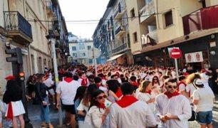 España: centenares de jóvenes se juntaron para celebrar festividad en plena crisis sanitaria