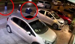 """Utilizando """"llave inteligente"""" roban varios objetos de valor de auto en Miraflores"""