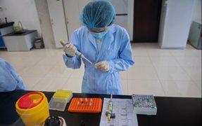"""OMS: """"Ninguna vacuna contra la COVID-19 está suficientemente avanzada"""""""