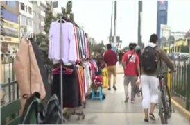 Autos y ambulantes invaden ciclovías de la avenida Túpac Amaru y Tomás Valle