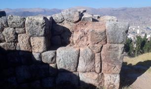Cusco: sujetos atentaron contra un muro inca y rompieron tres elementos líticos