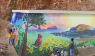 Pachacámac: jóvenes artistas pintan murales en mirador turístico
