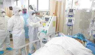 Mujer denuncia que médicos negaron ventilador mecánico a su padre de 69 años