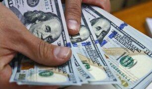 Precio del dólar en Perú retrocedió a media jornada este viernes
