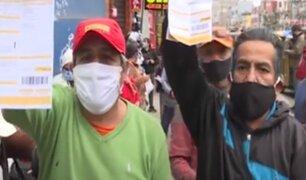 SJM: ciudadanos forman larga colas en los exteriores de Luz del Sur para reclamar cobros excesivos