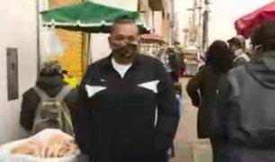 Ambulantes toman alrededores del mercado Unicachi en Comas
