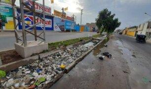 Chiclayo: canal de regadío se desbordó tras arrojo de basura en plena crisis sanitaria