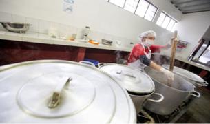Más de 5 000 comedores atienden a puerta cerrada a personas en situación vulnerable