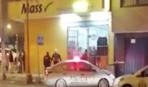 """Policía frustra asalto a tienda """"Mass"""" en VES"""