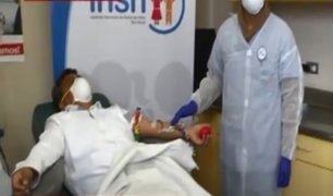 Doctor es el primer donante de plasma para ayudar en tratamiento de pacientes con COVID-19