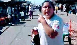 Tacna: captan a mujer recorriendo feria con su bebé sin usar mascarilla