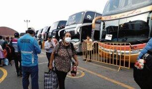 Critican proyecto de ley que pretende legalizar uso de combis y autos para transporte interprovincial