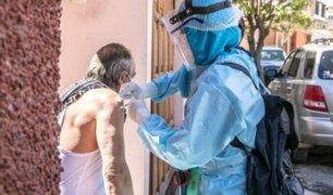 Arequipa: vacunan a cientos de ancianos contra la influenza y neumococo