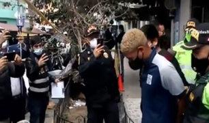 Delincuente capturado tras asalto a banco en SMP había matado a pedradas a hombre en junio