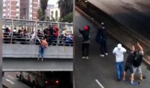 Peatones se unen y evitan que extranjero se tire de un puente en la Vía Expresa Grau