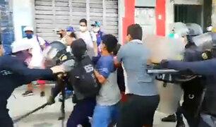 Iquitos: ambulantes y policías se enfrentan por desalojo en el mercado Belén