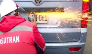 Sutran y la PNP sancionó y retiró placas a vehículos informales en operativo en la Panamericana Norte