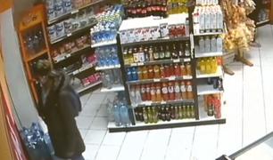 Miraflores: capturan a ecuatoriano y peruano que robaron productos en minimarket