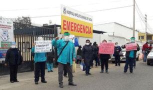 Tacna: Personal médico protesta por colapso del sistema hospitalario