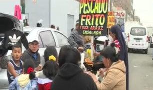 Ambulantes continúan trabajando en las calles de La Victoria a pesar de la crisis sanitaria