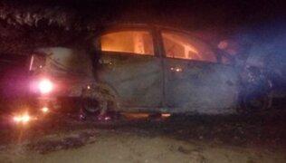 Chiclayo: auto se incendia tras chocar con moto y tres personas se salvan de morir