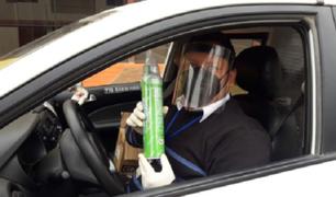 Trujillo: taxista usa balón de oxígeno portátil para ayudar a personas con coronavirus en caso de emergencia
