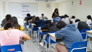 Gobierno anuncia beca para estudiantes de pregrado